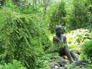 Pepiniere-Auclair-pruche-statue