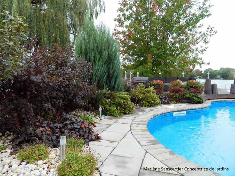 Amenagement bord piscine amenagement bord piscine piscines formes libres diffazur am nagement - Amenagement bord de piscine ...