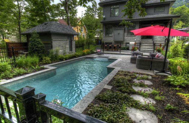 Intégrer une piscine dans une cour ombragée