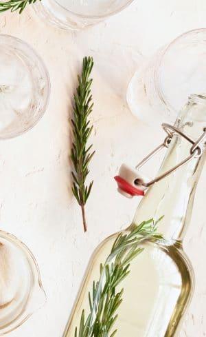 Fabriquez vos sirops simples avec vos fines herbes du jardin